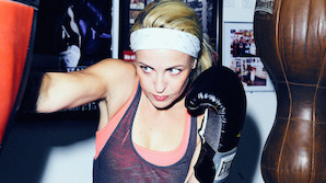 Julie �lgaard: Tosset med tatar og h�rd boksetr�ning