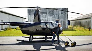 "Direkt�r med privat piskeris: ""Jeg bestemmer selv, hvor jeg vil flyve hen"""