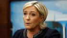 Fransk politi ransager Le Pens kontor i svindelsag