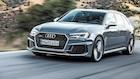 Audi RS4 knapper skjorten ned og laver gang i gaden