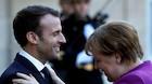 Skeptisk Merkel tager imod reformivrig fransk præsident