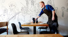 """Ny Aarhus-restaurant er ikke for de sarte: """"Der er fuld knald p� rouladen"""""""