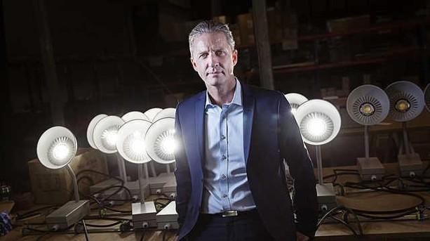 Bekymret investor: Lampekomet skal forklare kundeballade