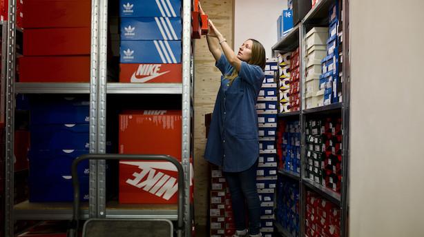 """Succesfuld sneakershop spæner af sted: """"Jeg startede det i mangel af bedre"""""""