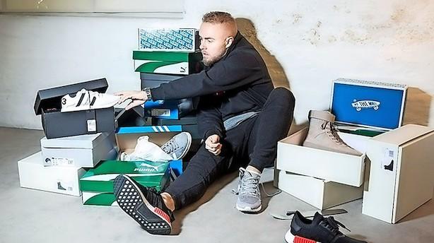 """Peter Falktoft har 120 par sko: """"Jeg har i hvert fald brugt 1 mio. kr. på sko"""""""