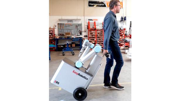 Man kan trække robotten  efter sig som en kuffert