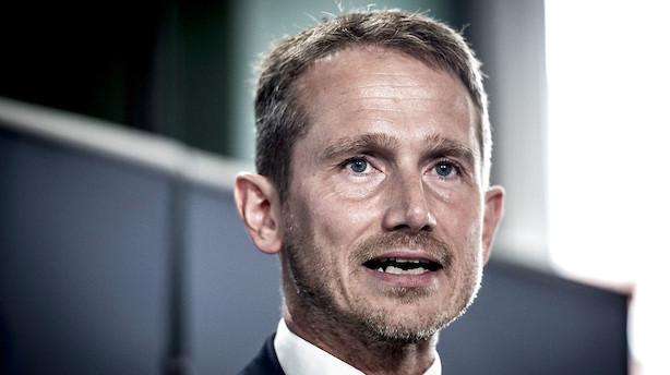 Roed-Frederiksen: Spar på krudtet, Kristian Jensen
