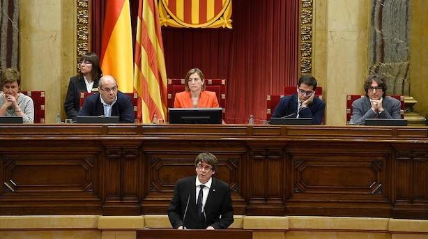 Cataloniens leder skyder løsrivelse til hjørne