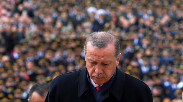 Naser Khader: Tyrkerne skal have det gule kort af Nato