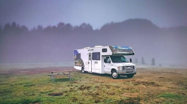 Følg John Denvers country road og mød nysgerrige bjørne og bingoglade bønder