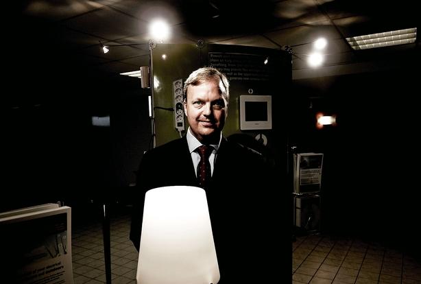 Hesalight-formand forærer millionvilla til ægtefællen