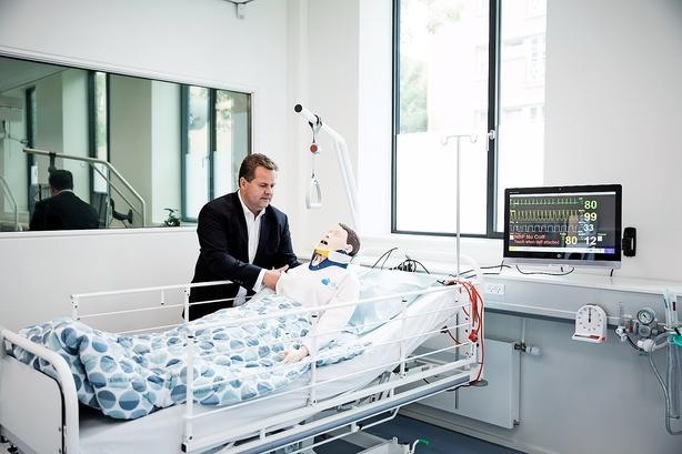 Firmaer i kø for at teste ny teknologi på falsk hospital