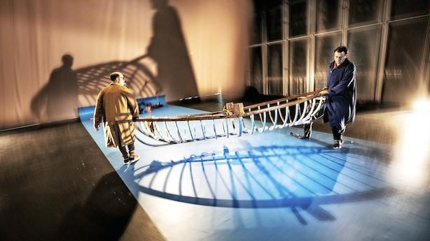 PHs og Arne Jacobsens flugt over Øresund i 1943 er blevet til godt teaterstykke