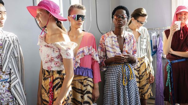 Modeuge: Da den danske minimalisme døde i en farveeksplosion