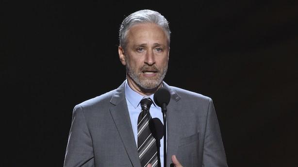 Croquis, Jon Stewart og fællessang: Det skal du i weekenden