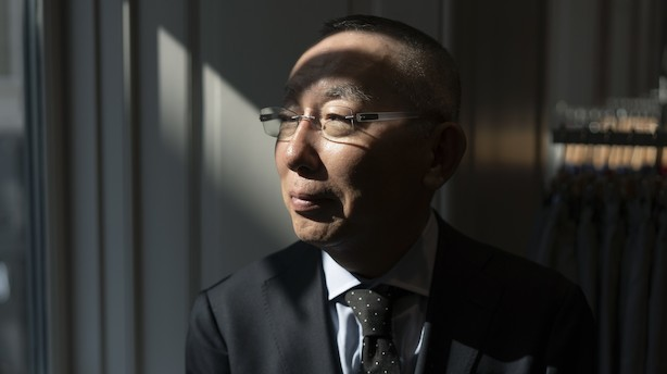 """Japans rigeste mand sælger tøj, der ikke skiller sig ud: """"Jeg troede slet ikke, at det ville blive så stort"""""""