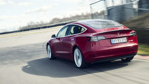 Tesla Model 3 får uventet succes som delebil