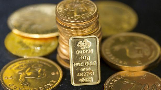 Markedsfrygt sender investorer mod guld og banker prisen op