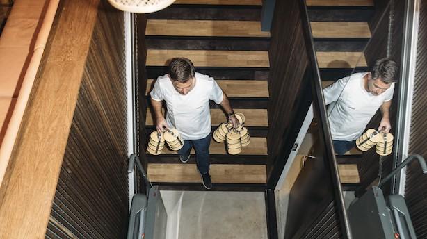 """Michelinkok tager chancen og køber 4000 metaldåser til takeaway: """"Vi bruger enorme mængder plastik til vores takeaway"""""""