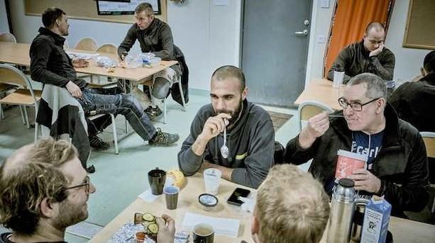 Højere mindsteløn vil koste job til flygtninge, unge og ufaglærte
