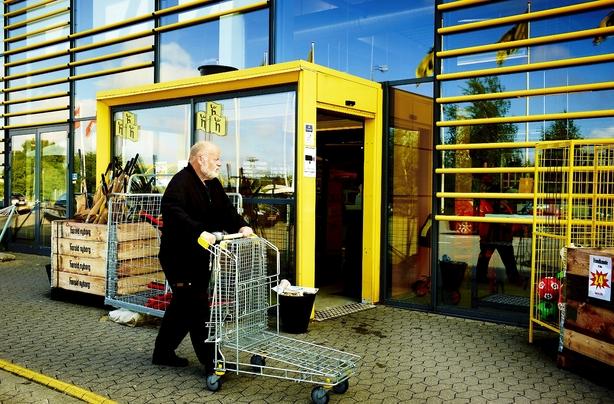 Milliardarving til lavpris-gigant får svenske smæk