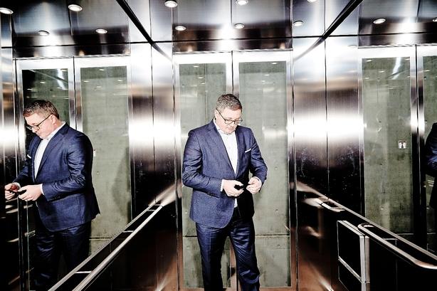 Lett fusionerer med global advokatgigant