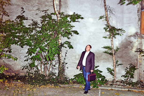 """Hård kritik af nye ejendomsvurderinger: """"Man kan ikke få en computer til at beregne, hvad en grund under et hus på en villavej i Gladsaxe eller Holstebro koster"""""""