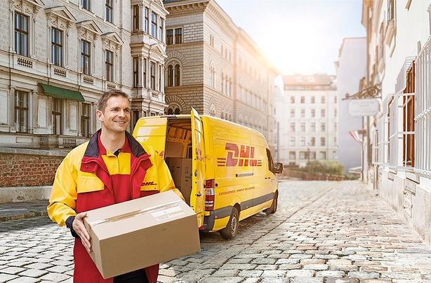 SMS og pakke- automater hjælper DHL
