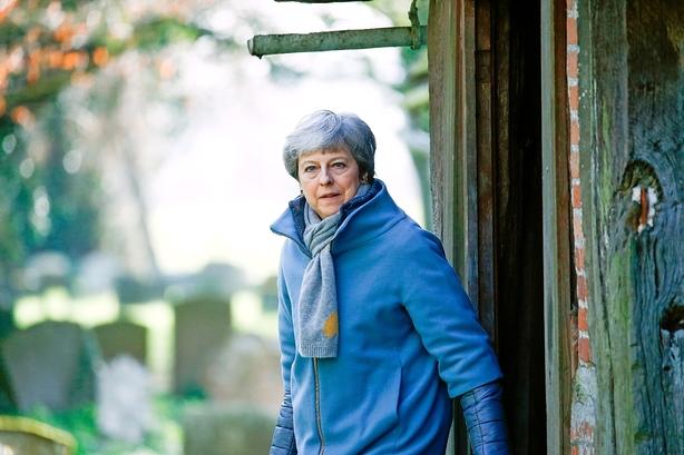 Theresa May tøver med afgørende afstemning