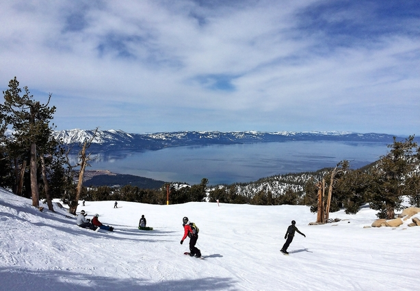 Himmelsk godt skiløb mellem Californien og Nevada