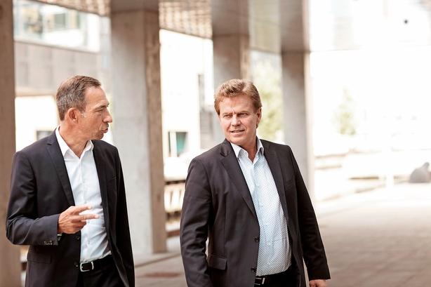 Niels Lunde: Jagten på Pandoras nye topchef fortsætter - den ene afviser, den anden er nok interesseret