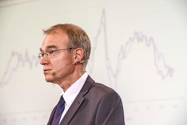 Nationalbankdirektør Callesen i nyt debatindlæg: Hvordan blev en lille skattefjer til så mange høns?