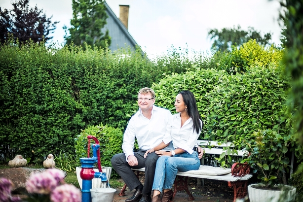 Topleders dilemma: Vælger konen frem for Danmark