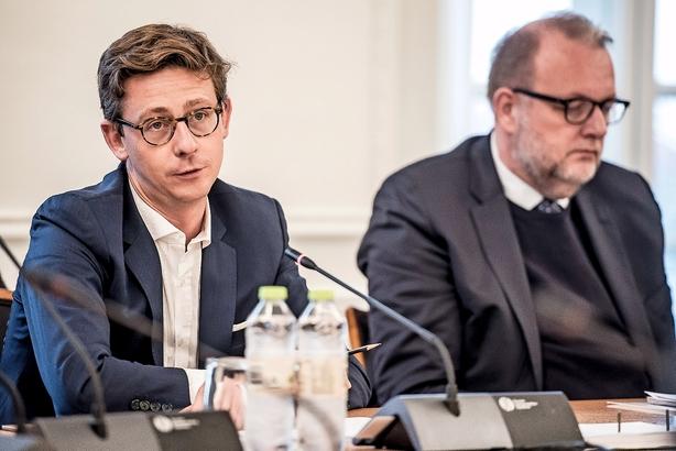 Børsen mener: Danskerne bruger Skat som bank - sæt prop i, Lauritzen