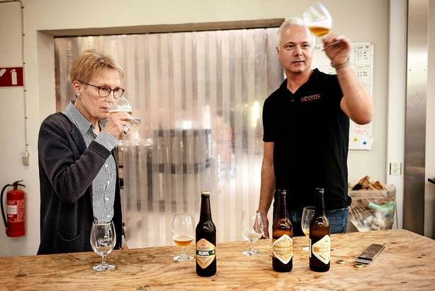 """Øludvikler med ny ejer i bryggeri: """"Jeg kan super godt lide at gå rundt i bryggeriet og kræse om øllen"""""""