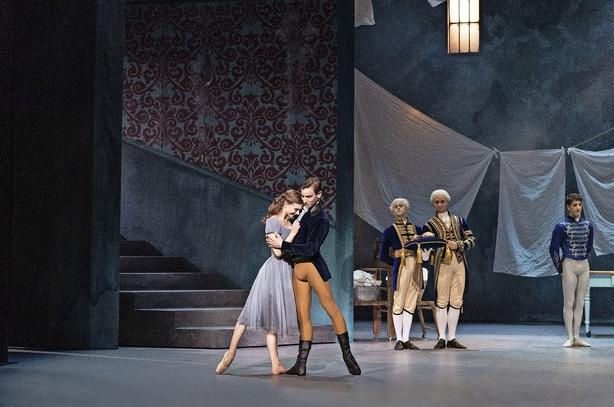 """Kedelig """"Askepot"""" med dygtige dansere på Det Kongelige Teater"""
