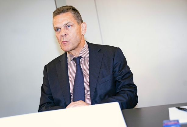 Niels Lunde: Det begynder først nu, Ole Andersen