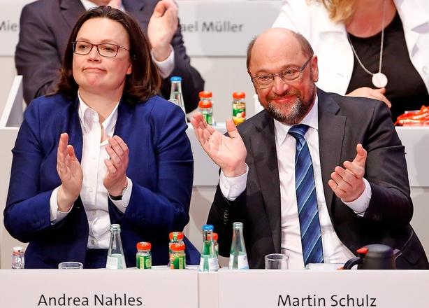 Lille SPD-flertal siger ja til regering med Merkel