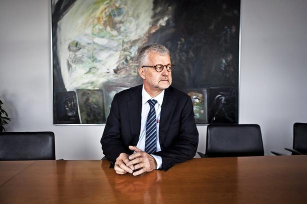 Falck fyrer uenig topchef efter dårlige år