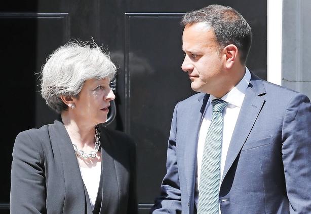 May kæmper for opbakning til brexit-aftale