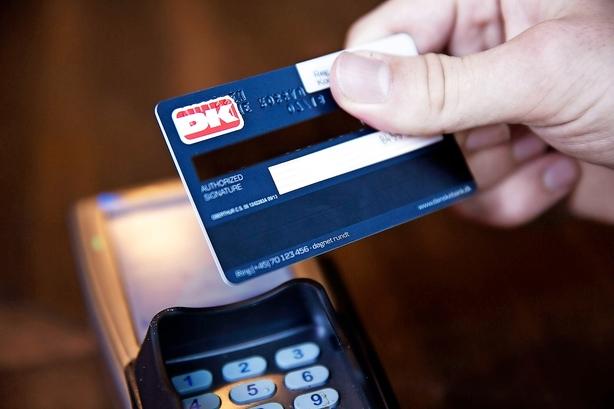 Debat: Dankortet er en del af bankernes samfundskontrakt
