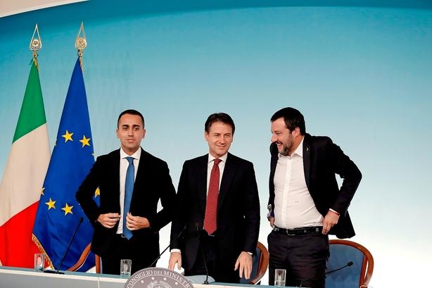 Italien fastholder flirt med ny parallelvaluta