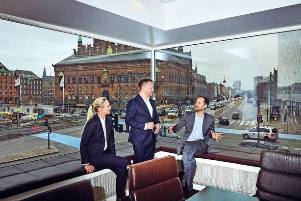 """Aarhus-familie sælger livsværk til kapitalfond: """"Der bliver ingen Ferrari'er til os"""""""