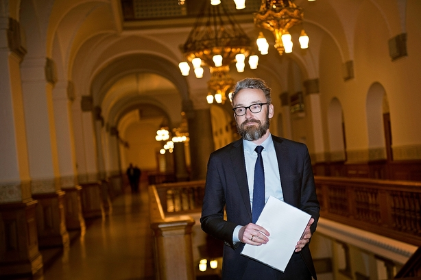 Ole Birk Olesen bør ikke lade sig rådgive af Femern A/S