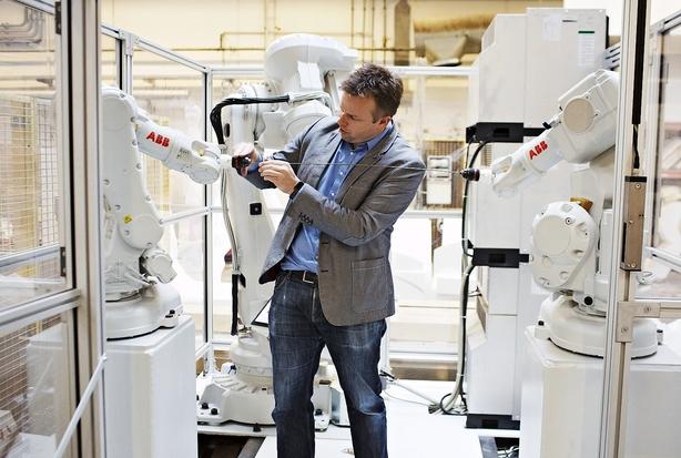 Kapitaltørke sender robothåb til Sverige