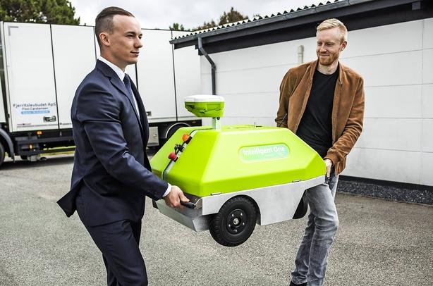 Bladrigmand satser mio-beløb på rullende robotter