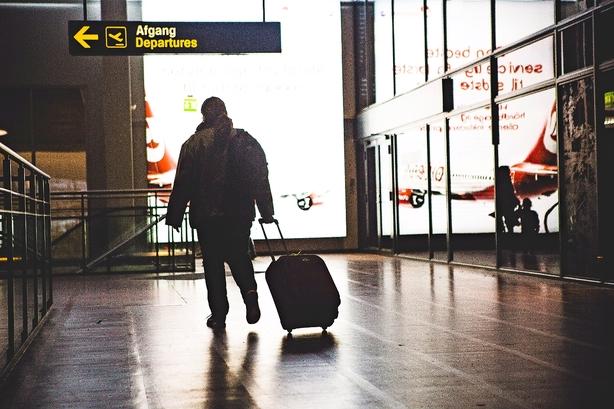 Lad lufthavnen styre sig selv