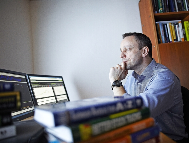 Konsulent satser på livet som daytrader