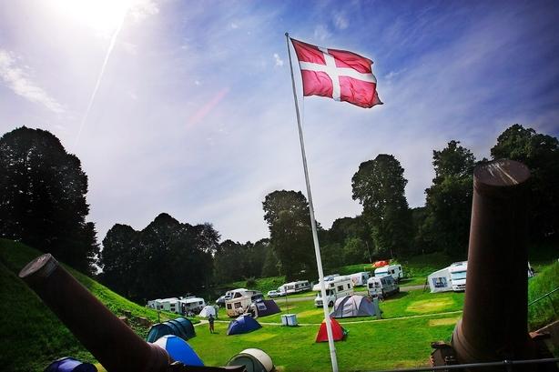 Debat: Sæt campingpladserne fri