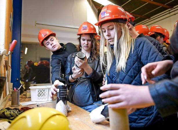 Debat: Installationsbranchen bejler til kvinderne